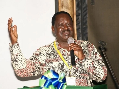 After exchanging tough words with Uhuru, Raila blatantly refuses to share podium with the president