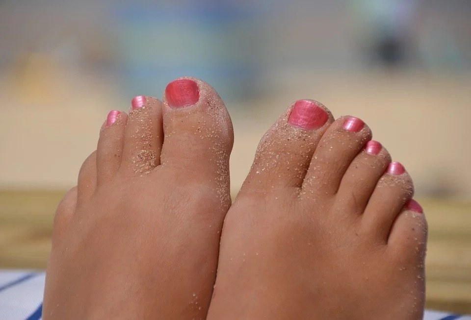 How To Remove An Ingrown Toenail Completely Naturally Without Any ...