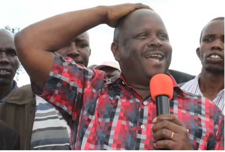 NASA co-principal spotted dishing out money to the electorate as he faces battle to retain his seat