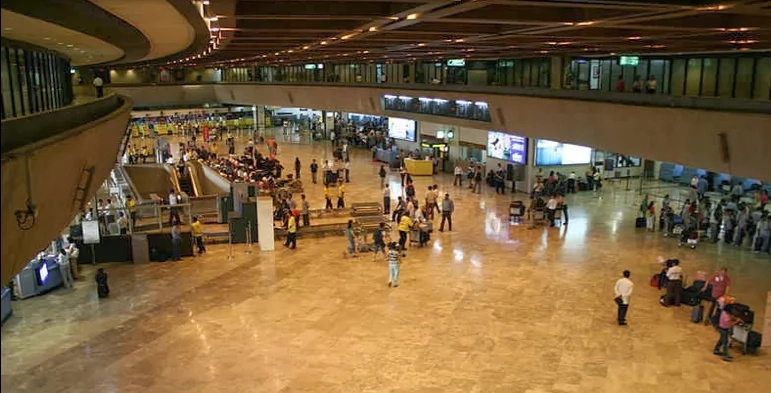 Glass ceiling shattered, ceiling collapsed in NAIA 1; NAIA's string of bad luck