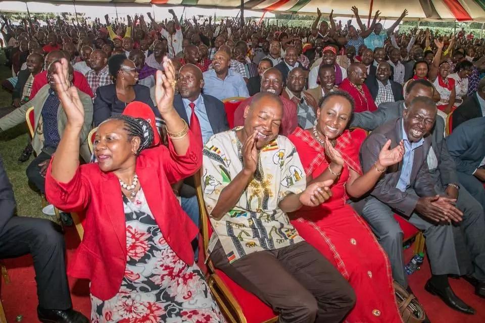 Wafuasi wa ODM na Jubilee wakabiliana katika mkutano wa kisiasa Kitengela