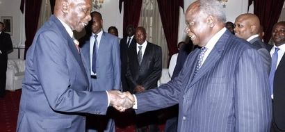 Vitambulisho vya Moi na Kibaki vyatumiwa KUSAJILI wapiga kura kadha, huu hapa ushahidi