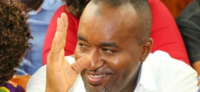 Governor Joho pulls a Uhuru, eats ugali in a dingy kibanda (photos)