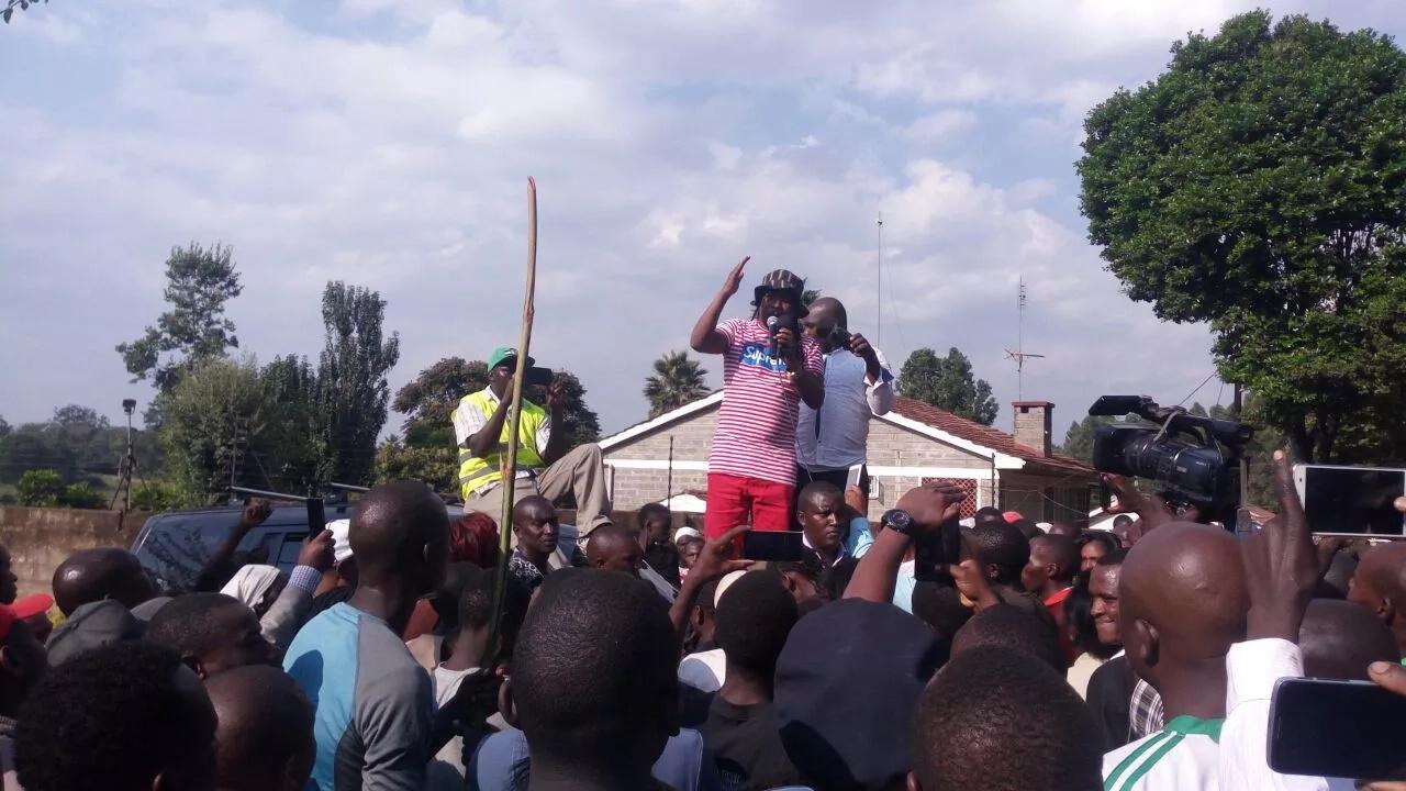 Kangemi residents block Waiyaki Way after William Ruto order