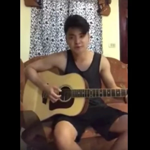 Pinoy singer wows netizens with cover of hit song