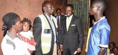 Shule za msingi Kakamega zapata ZAWADI murua kutoka kwa Naibu wa Rais (picha)