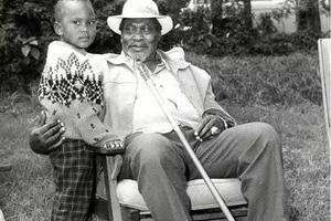 Picha za KUVUTIA za Rais Uhuru Kenyatta akiwa mtoto mdogo (picha)