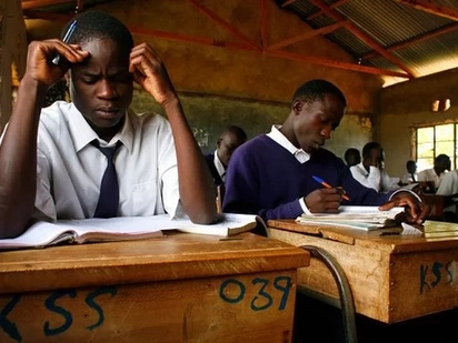 Watahiniwa wa KCSE walamikia usimamizi mkali wa mtihani