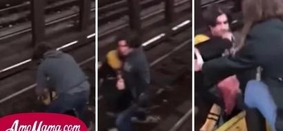 Un hombre desconocido cayó en las vías del metro, entonces el trabajador lo salvó momentos antes de que llegue el tren