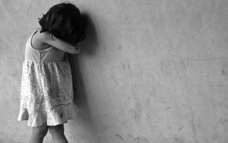 Profesor de inglés abusó sexualmente de 19 alumnos