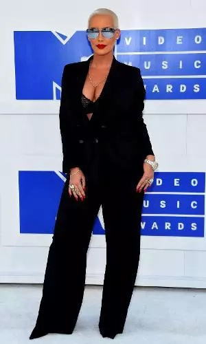 Estos fueron los looks más locos de los premios MTV VMA