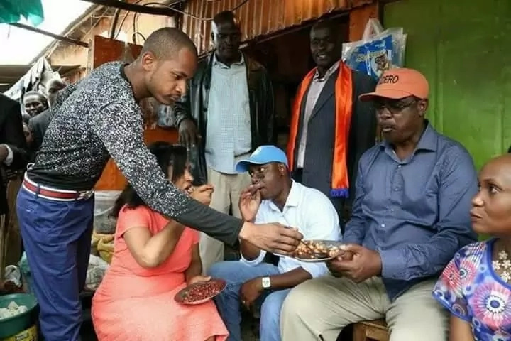 Humble or just want votes? How politicians have changed all over sudden and become humble(Photos)