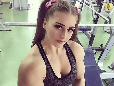 Baby-faced bodybuilder breaks internet after lifting 180 KILOS with ease (photos, video)