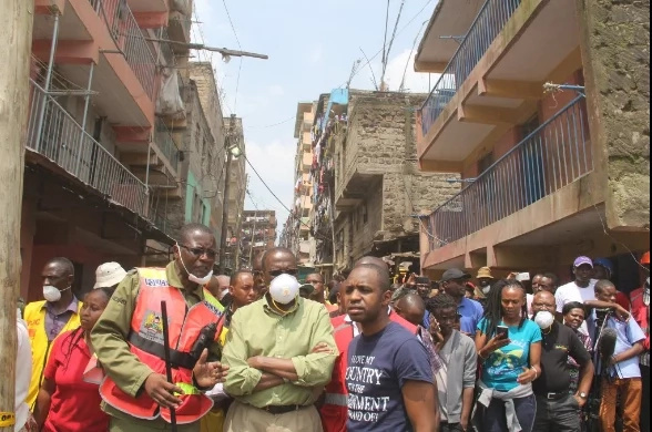 CJ Willy Mutunga visits Huruma with goodies for victims