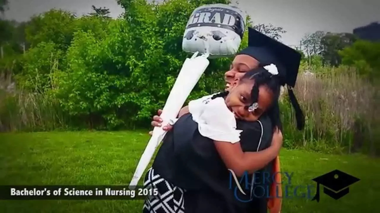 See amazing photos of young and ambitious moms graduating from college