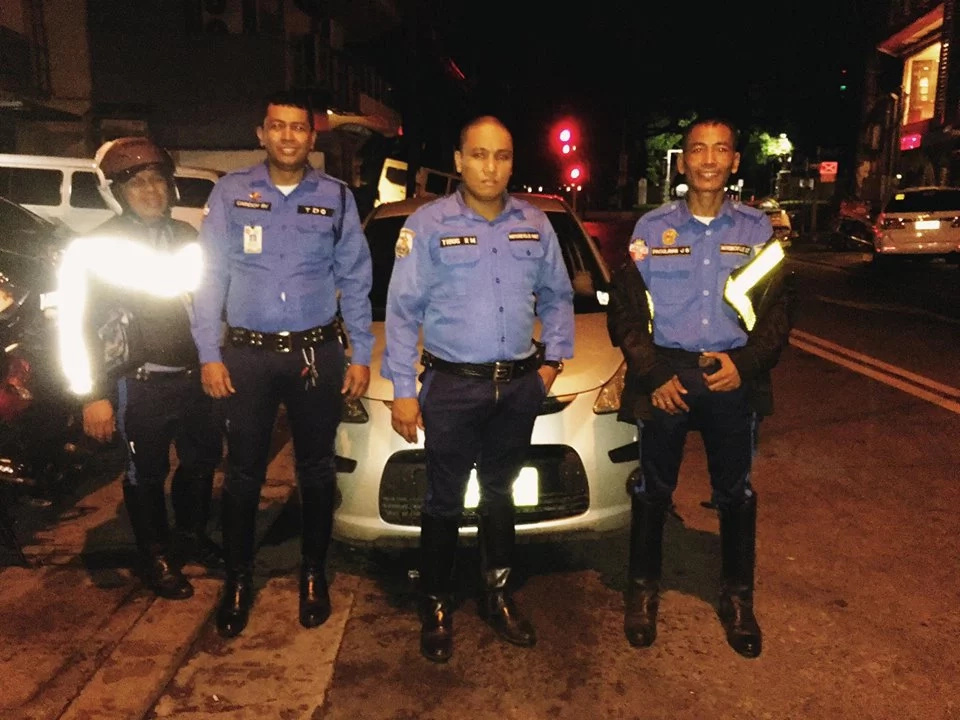 Netizens praise these traffic enforcers; here's why