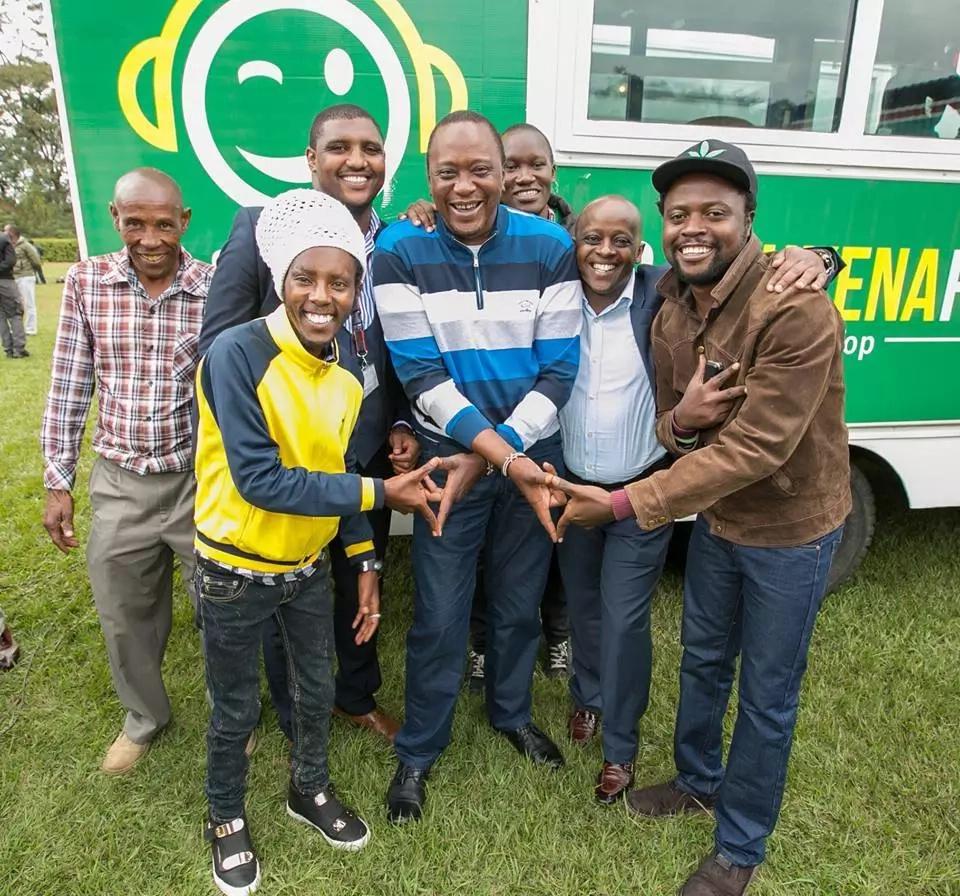 Uhuru atangaza mbinu mpya ya kumwangusha Raila
