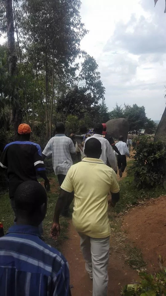 How Vihiga county residents carry the sick to hospital