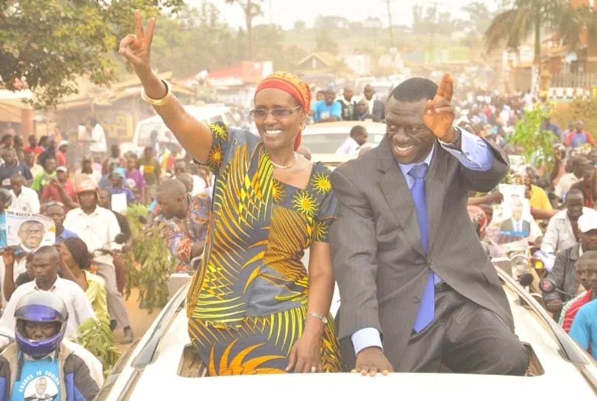 Una habari Kiza Besigye, alikutana na mke wake musituni? TUKO.co.ke ina ripoti kamili
