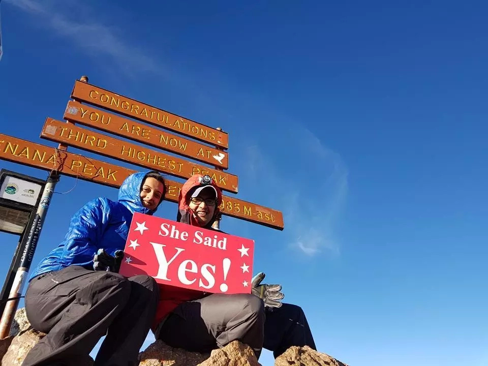 Romantic Kenyan man proposes to fiancee on top of Mt. Kenya and it is the cutest thing you've ever seen (photos)