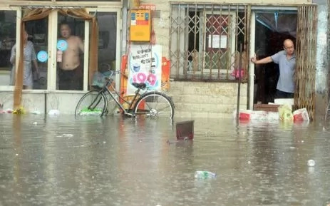 87 dead in China after devastating rains