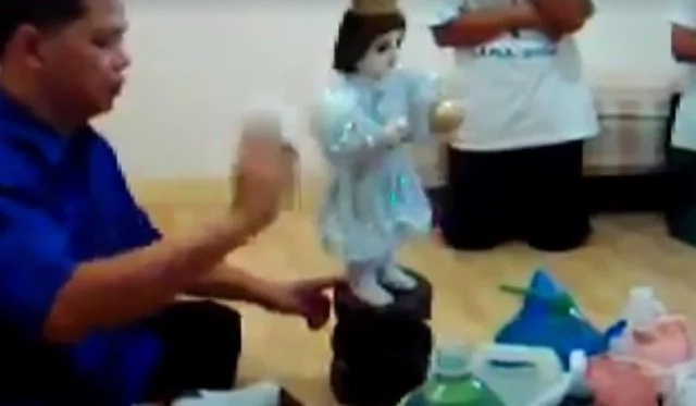 Miraculous dancing saint of Navotas caught on video