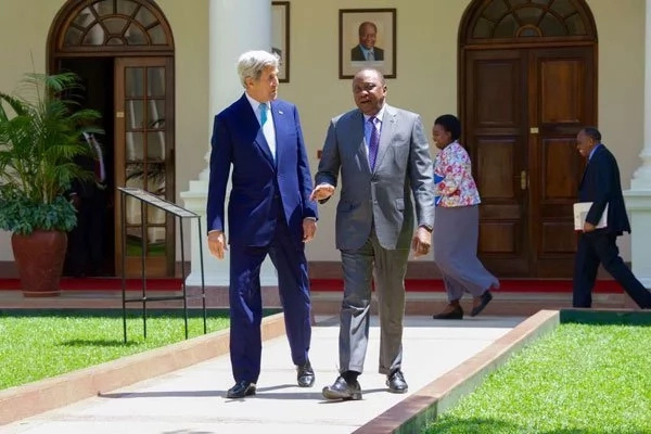 Top official in Obama's administration sends tough message to Uhuru and Raila ahead of visit