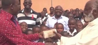 Mbunge wa Jubilee amwaga pesa kanisani, matokeo ni ya KUTISHA (picha)