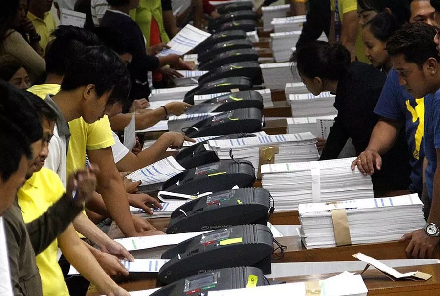COMELEC employees call for unity, backs Bautista