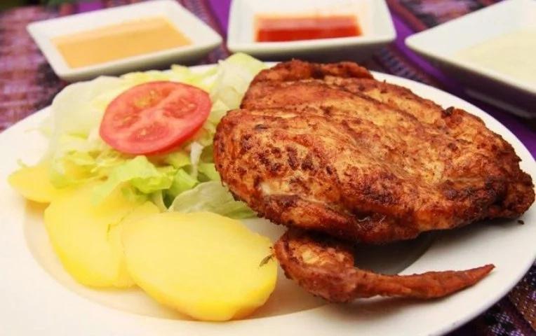 Así es una pollada peruana