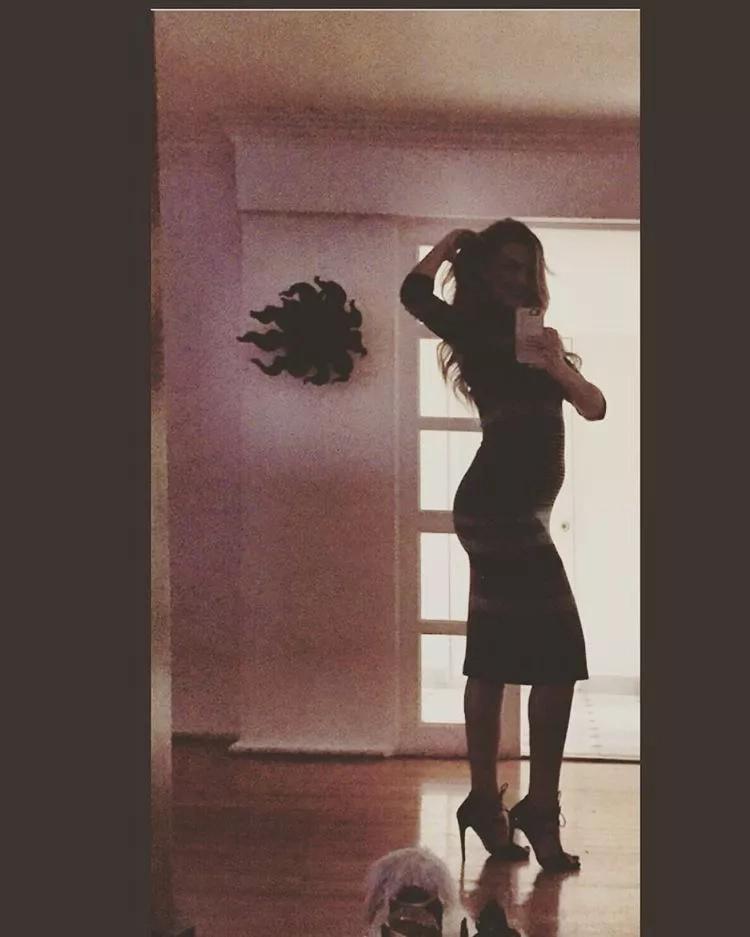 Así luce Marjorie de Sousa en embarazo: sensual y tierna