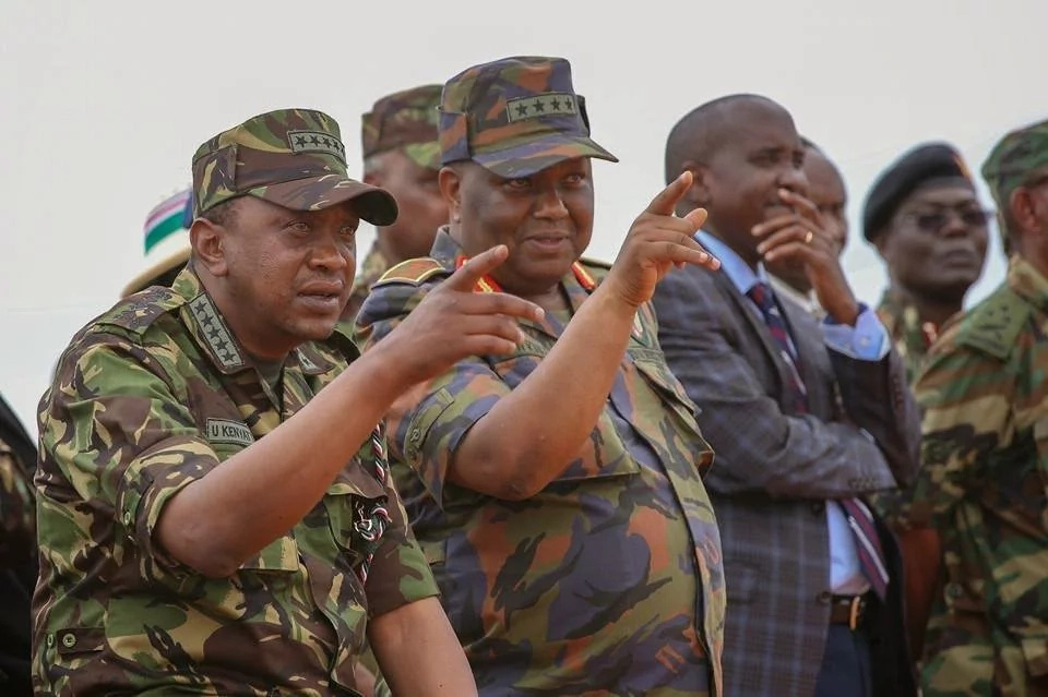 Uhuru makes suprise visit to KDF in Somalia