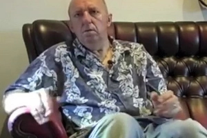 Parkinson's sufferer shows the enormous relief marijuana gives him