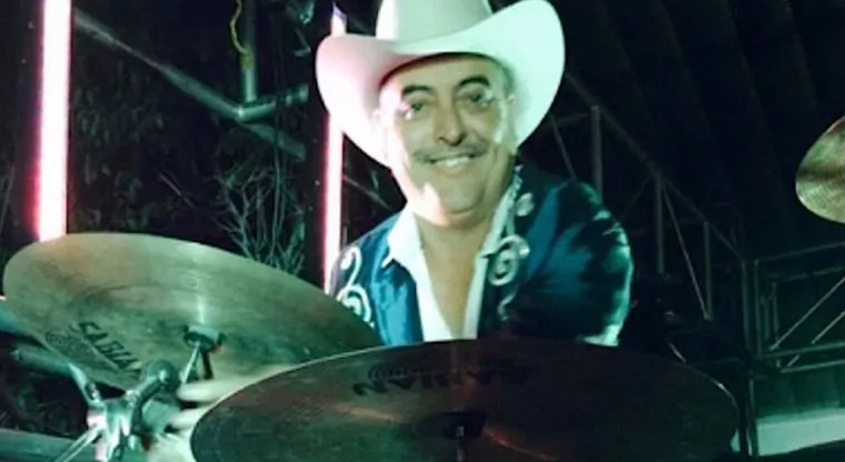 Músico fue cruelmente asesinado en su Camaro en Chihuahua