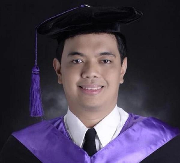 2017 BAR Topnother na si Mark John Simondo, nag-aaral daw ng 8 hanggang 12 oras araw-araw bago ang exam