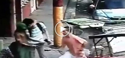 Wag mag-cellphone sa kalsada! Scary Pinoy hold-uppers victimize helpless student in Manila
