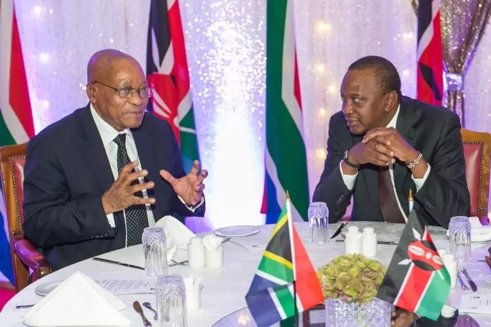 Rais Uhuru Kenyatta na Rais wa Afrika Kusini Jacob Zuma