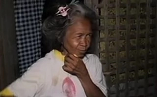 Grandma turned over 150k money she got while scavenging
