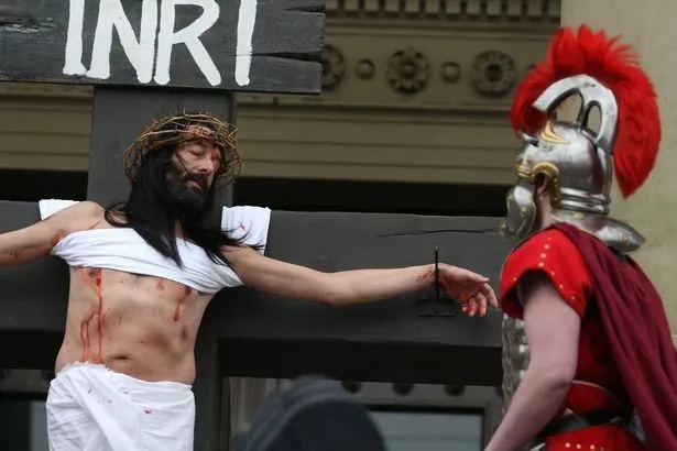 Message of love and forgiveness! People offered to experience full CRUCIFIXION Jesus endured (photos)