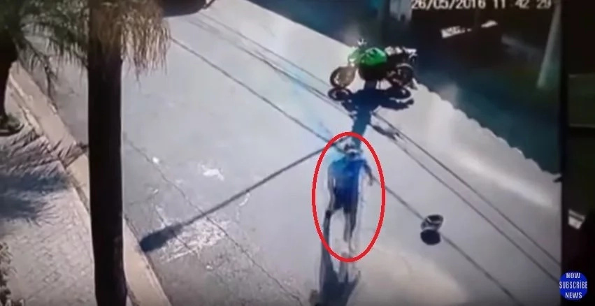 Captured From a CCTV: 3 Men Tried To Steal the Big Bike. BEWARE!