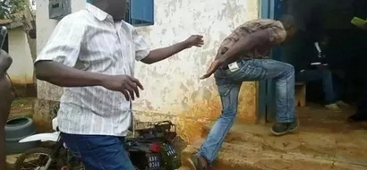 Mbunge Jakoyo Midiwo anaswa akimtuanga jamaa mwingine baada ya kushindwa ODM (picha)
