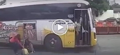 Aksidente sa EDSA! Reckless bus driver speeds off after brutally knocking down female passenger
