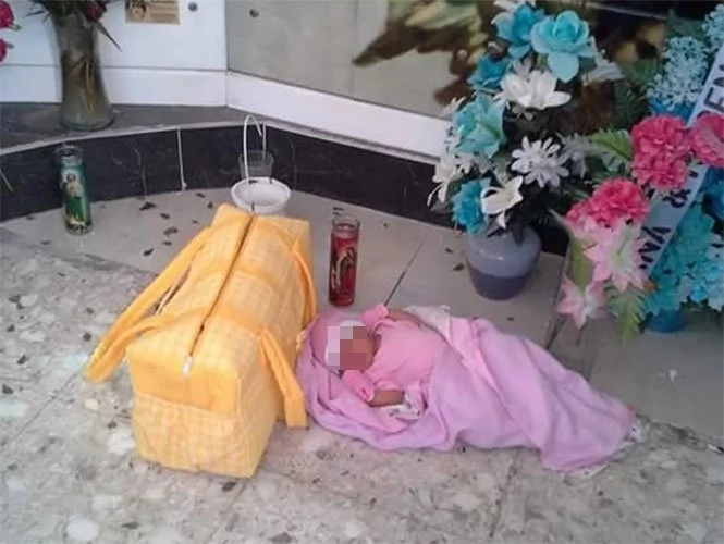 Bebé con síndrome de Down fue abandonada en una iglesia