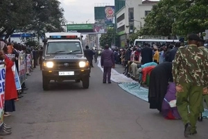 Prophet Owuor's grand arrival in Nakuru excites residents (photos)