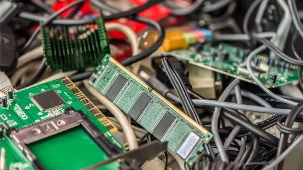 Developed countries turn Africa into DUMPING SITE for e-waste, experts warn of dire consequences (photos)