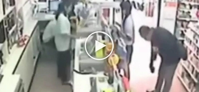Huli ang manyakis! Gutsy Asian girl severely humiliates dangerous pervert inside 711 store