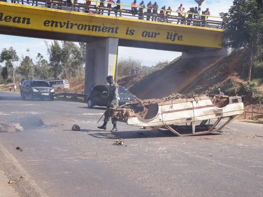 Kiambu residents demand the arrest of Ngilu after charcoal lorry was burnt