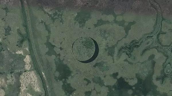 La misteriosa isla que no es tan misteriosa. Engañaron a la gente y le sacaron dinero