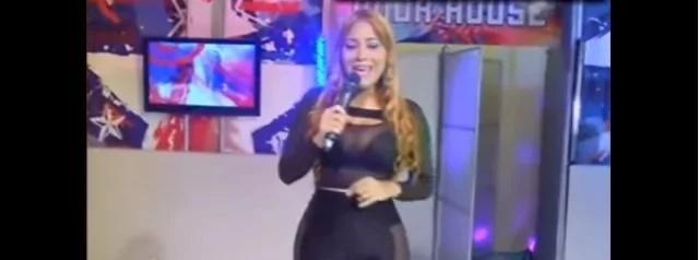 Presentadora enseñó parte íntima durante un programa
