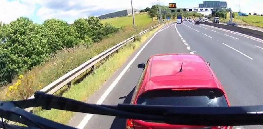 Truck driver warns all econobox drivers that brakecheck trucks!